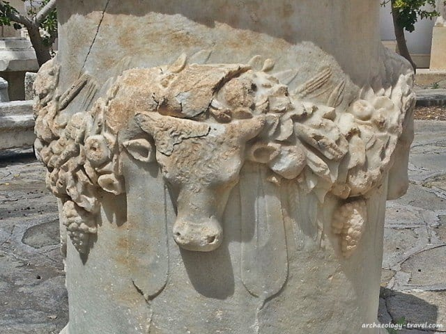 Roman altar - Archaeological Museum Paros