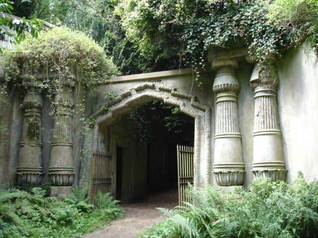 Egyptian Avenue entrance, Highgate Cemetery, London