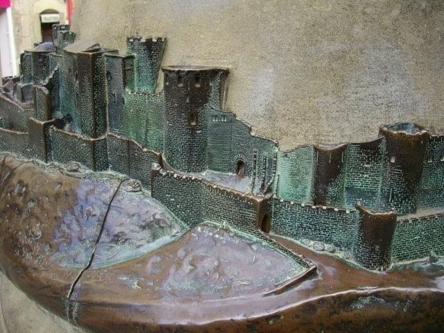 carcassonne-bronze-detail