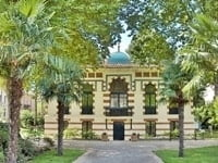 The entrance to Musée Georges Labit.