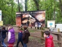 A group of school children visiting Lascaux II.