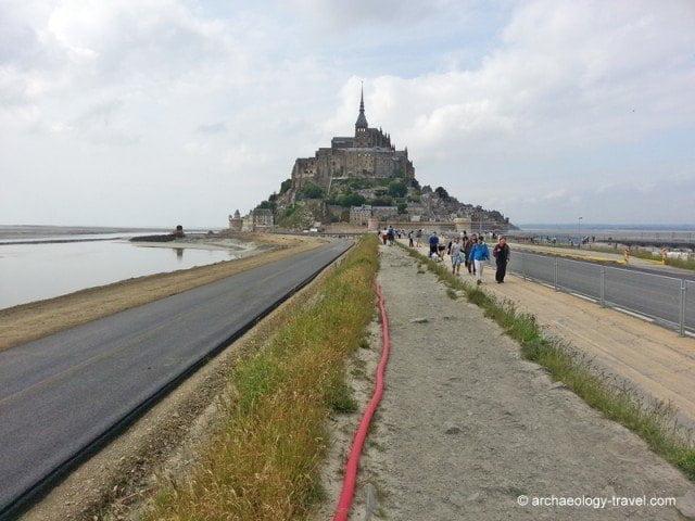The acess road to Mont-Saint-Michel