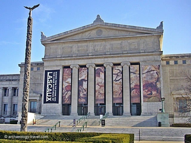 The neoclassical façade of the Field Museum in Chicago.