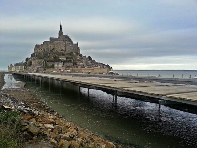 The new access road leading to Mont Saint-Michel.