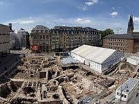 An aerial view of the excavation site in the town square of Cologne.