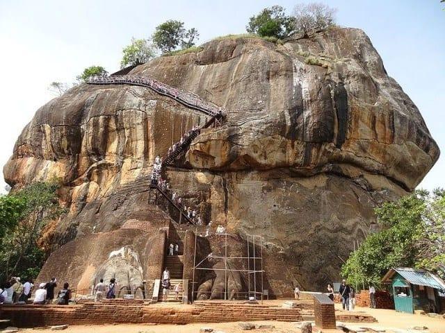 Descending Lion Rock, and passing through the lion.