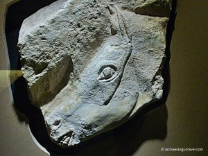 Sculptured horse's head from Roc-aux-Sorciers.