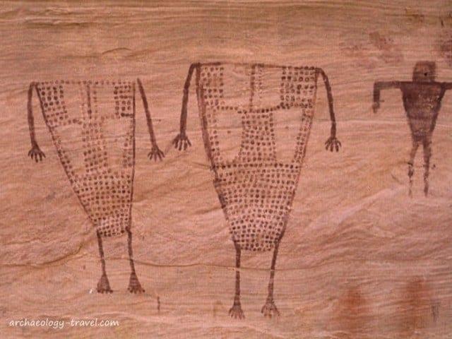 Painted Basketmaker style human figures.