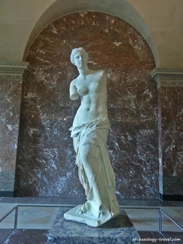 The Venus de Milo/Aphrodite of Milos, in the Louvre Museum.
