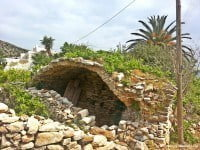 Roman remains in Ios, said to be the arches of an aqueduct.
