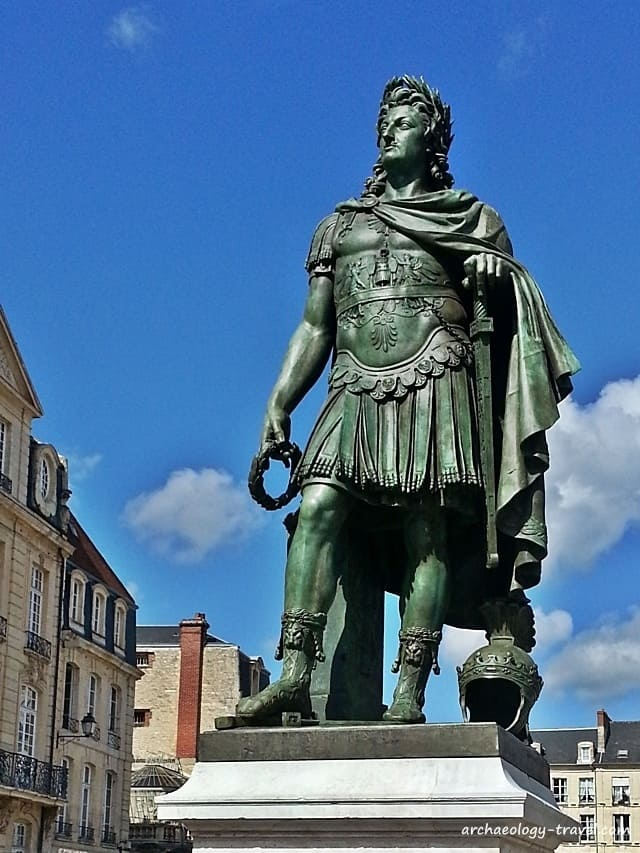 A statue of the French King Louis XIV dressed as a Roman Emperor, in Place Saint-Sauveur, Caen.