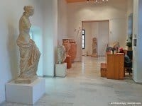A replica of the Venus de Milo takes pride of place in the entrance to the Archaeology museum in Milos.