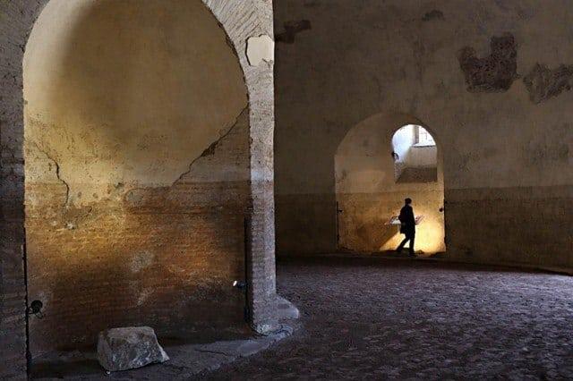 Inside the 'tomb of Romulus' in Rome. © La Repubblica