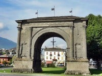 The Arch of Augustus in Aosta, Italy © Geobia - Wikipedia