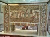 The Hagia Triada sarcophagus, Heraklion Archaeological Museum © J. Ollé - Wikimedia