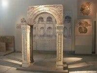 Byzantine arch and pillars from the Church of St Demetrius © ChristianeB - Wikipedia