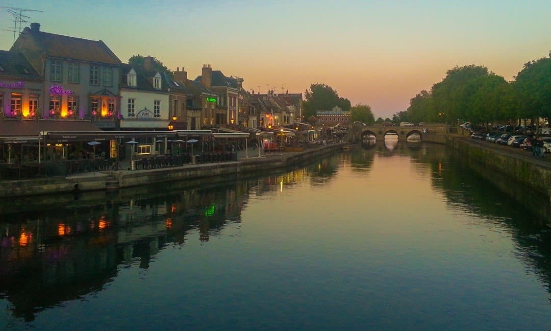 Trendy bars and restaurants in the Saint-Leu area of Amiens.