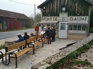 Queues for tickets to visit Font de Gaume start as early at 5 am in summer.