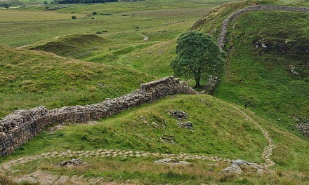 Review: Hadrian's Wall, Archaeological Walking Guides