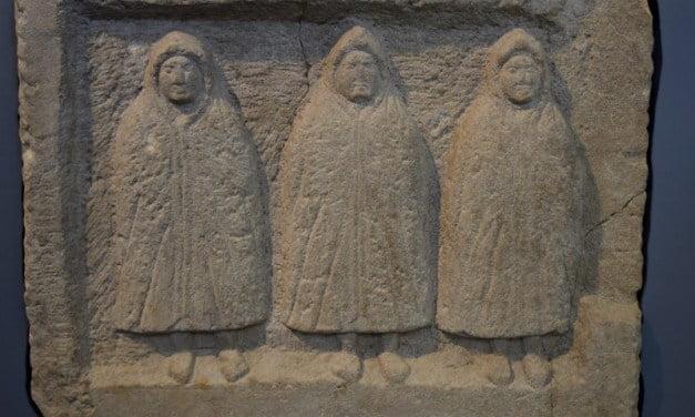 11 Stunning Stone Sculptures on Hadrian's Wall