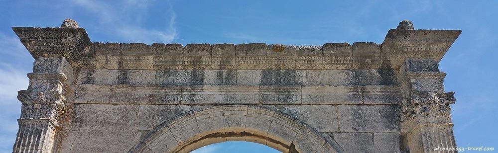 The inscription on Le Pont Flavien indicates the bridge was built for L Donnius Flavos.
