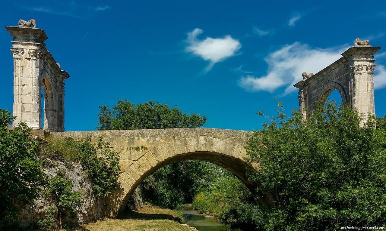 Le Pont Flavien straddles the Touloubre River, Provence.
