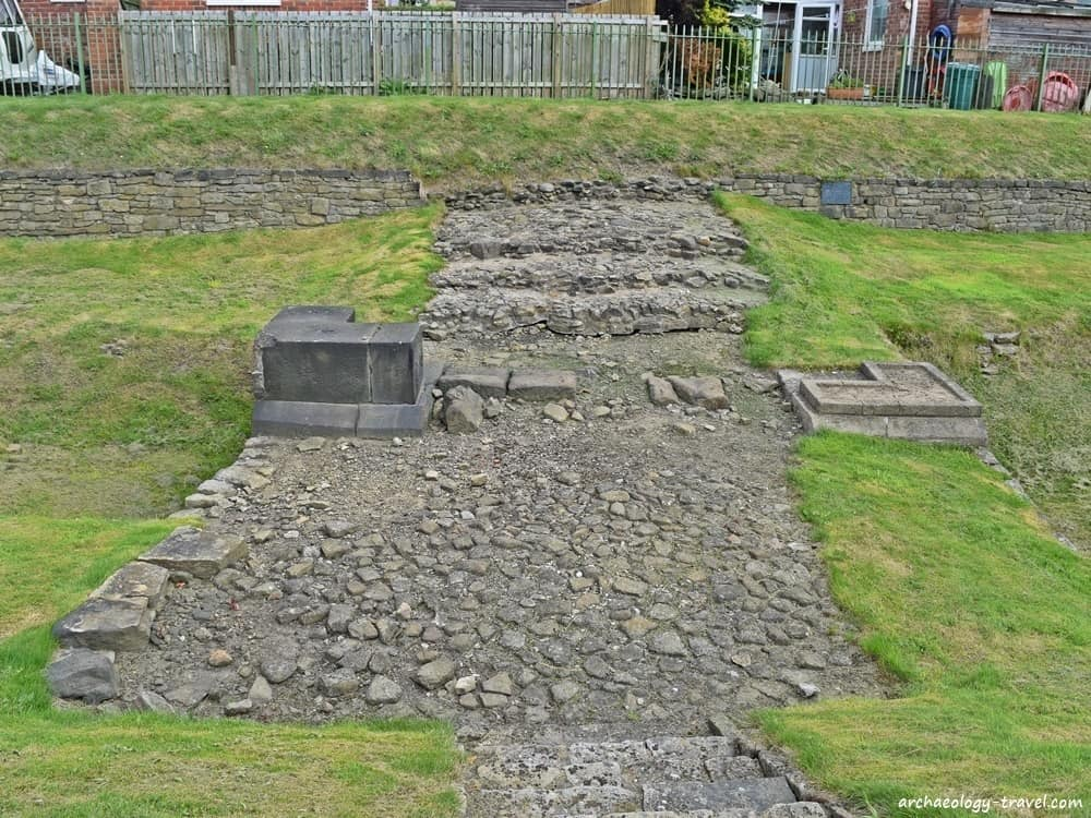 Vallum crossing and three layers of road metalling at Benwell.