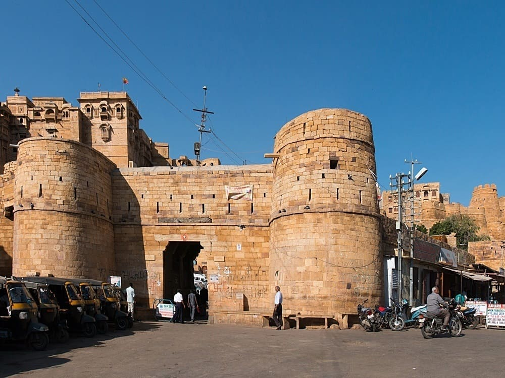 The Akhay Pol gate to Jaisalmer Fort. © Daniel Villafruela - Wikimedia