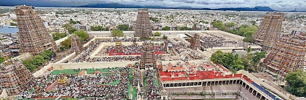 An aerial view of Madurai City and the spectacular Meenakshi Amman Temple. ©  எஸ்ஸார் - Wikimedia