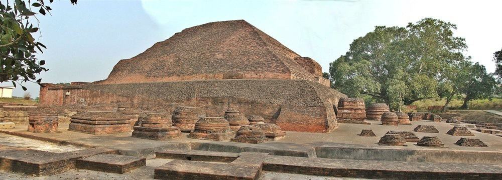 Ruins of the Nalanda Buddhist monastery. © BPG - Wikimedia