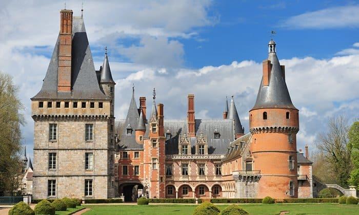 The Château de Maintenon in the Eure-et-Loir department, France. Photo © Eric Pouhier/Wikimedia