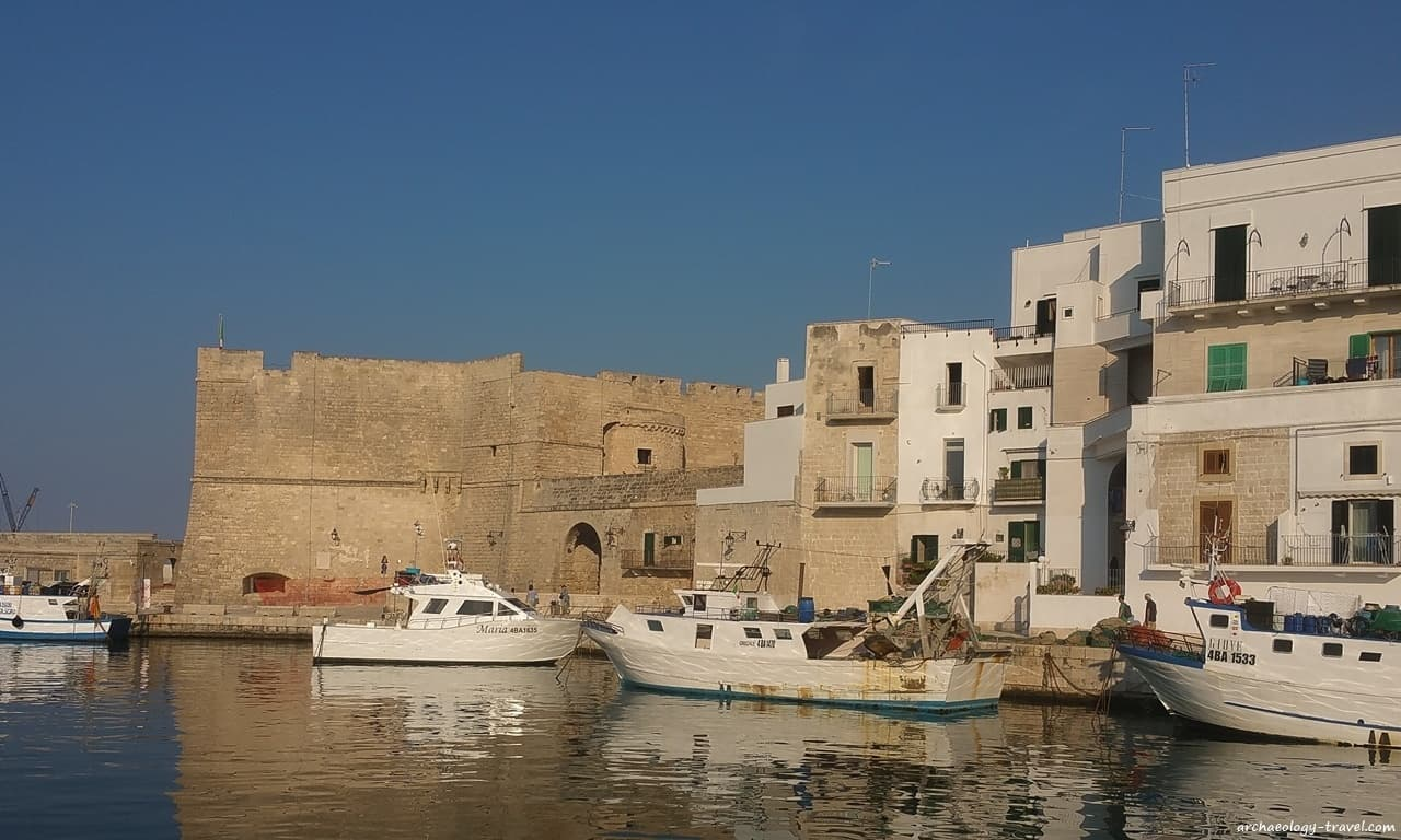 Charles V castle and the historical fishing port of Monopoli, Puglia.