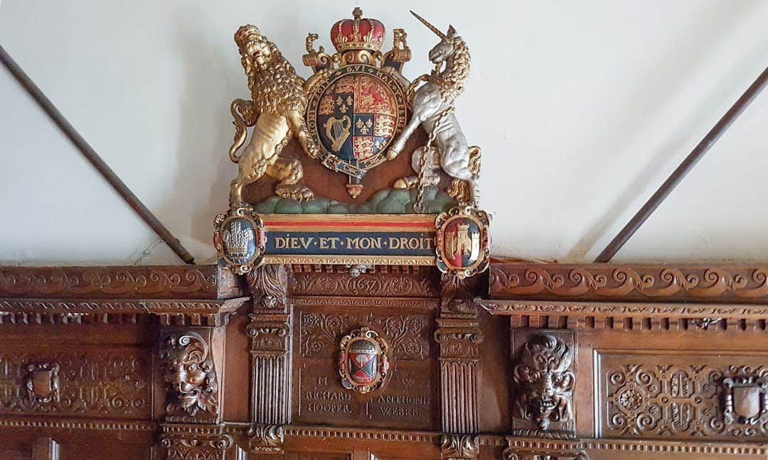 Coat of arms for the Guild of Weavers, Fullers & Shearmen in Tuckers Hall.