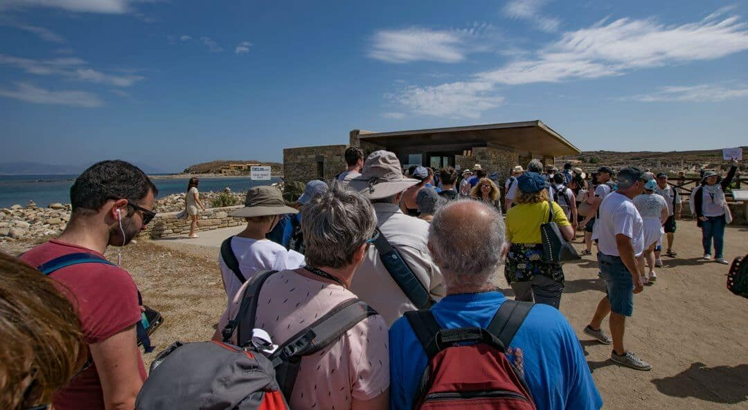 The queue for tickets on Delos after arriving by Ferry.