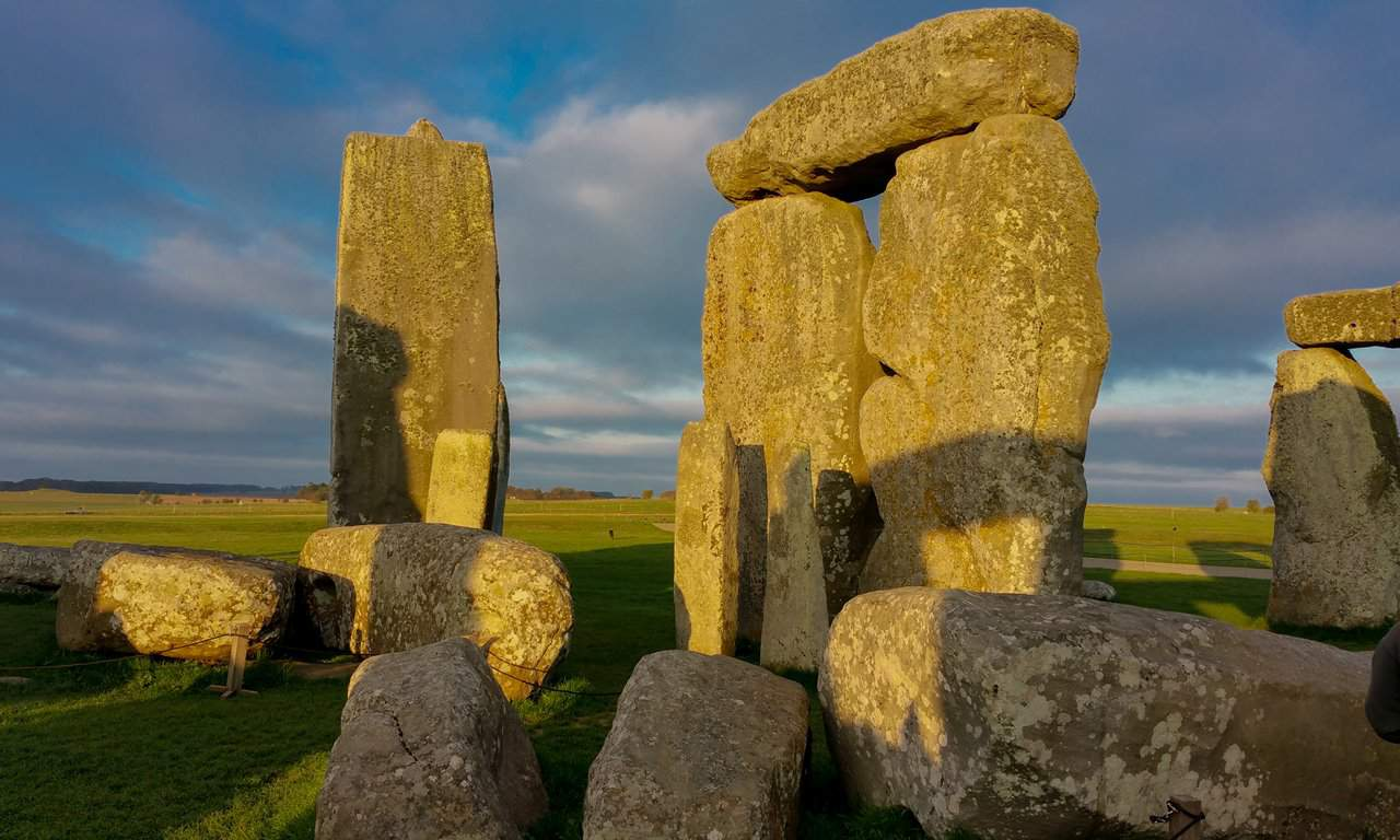 Is Stonehenge an Overhyped & Overrated Tourist Trap?