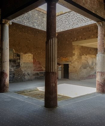 The atrium at Villa San Marco, Stabiae.