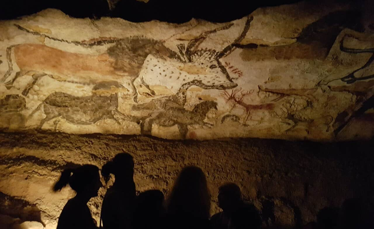 Self-Guided Tour Visiting the Best Cave Art in France