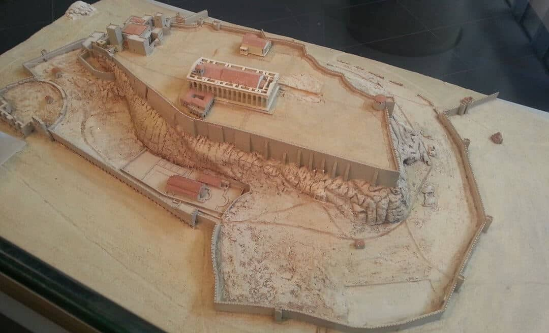 A model of what the Acropolis looked like in around 1500 AD.