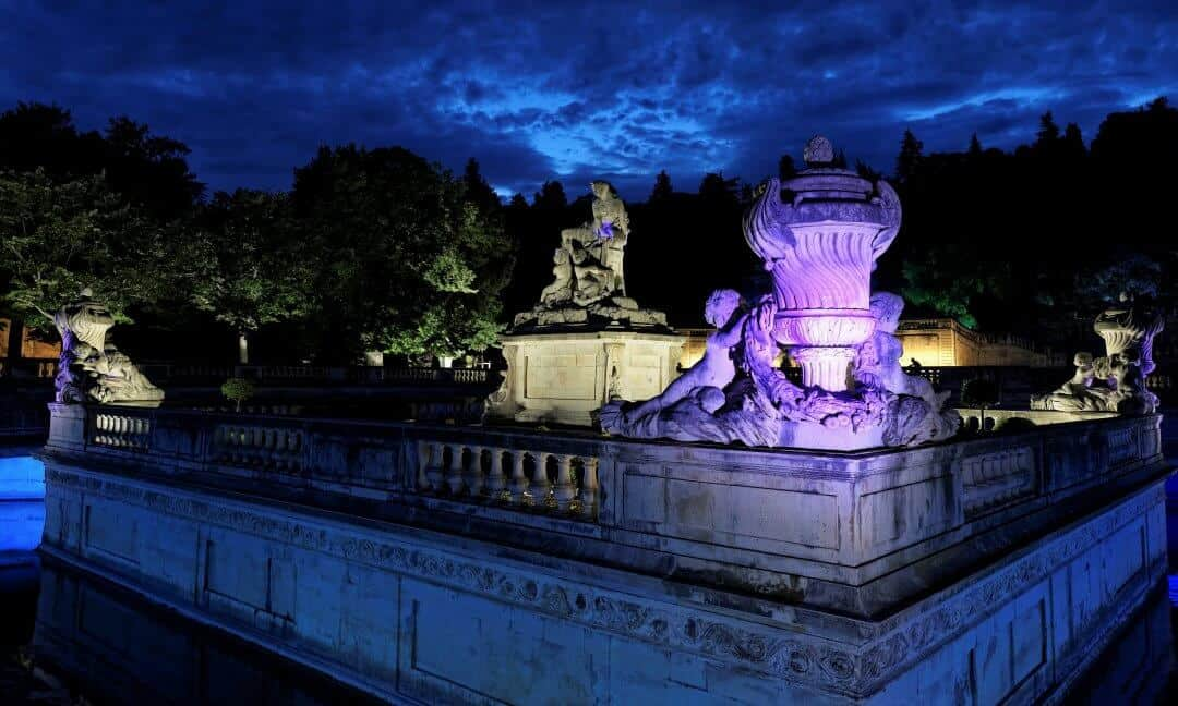 A view of the Jardins de Fontaine by night.