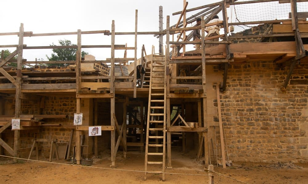 Medieval scaffolding in use at Guédelon.