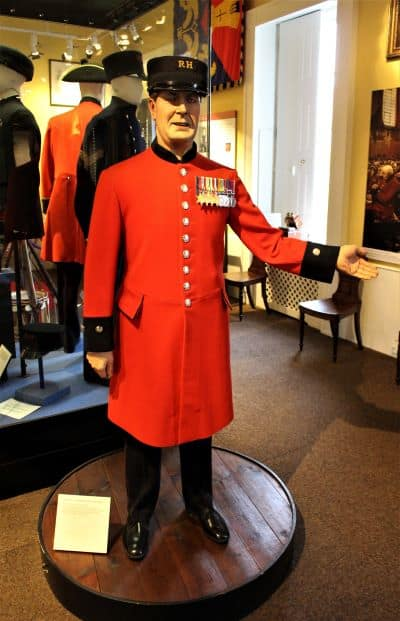 A manequin wearing the Chelsea Pensioner uniform.