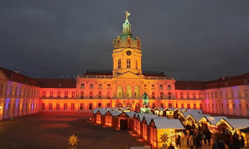 Why Take a Christmas Market  Walking Tour in Berlin?