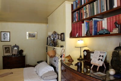 Inside Williams Morris' bedroom at Nuffield place.