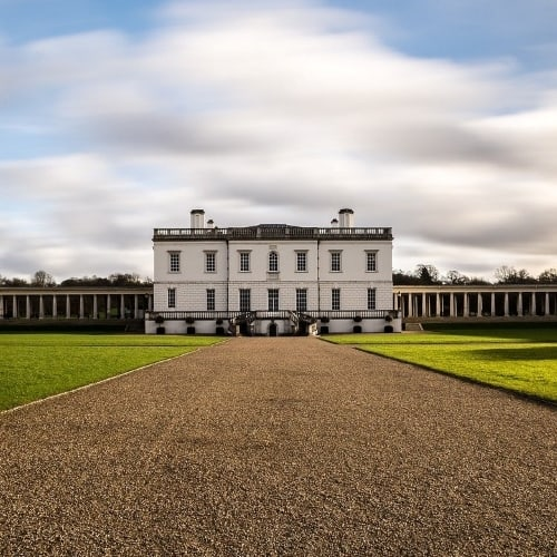 Queens house in Greenwich has a large lawn.