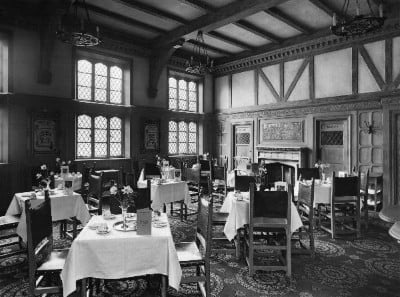 A black and white photo of how the restuarant used to look.