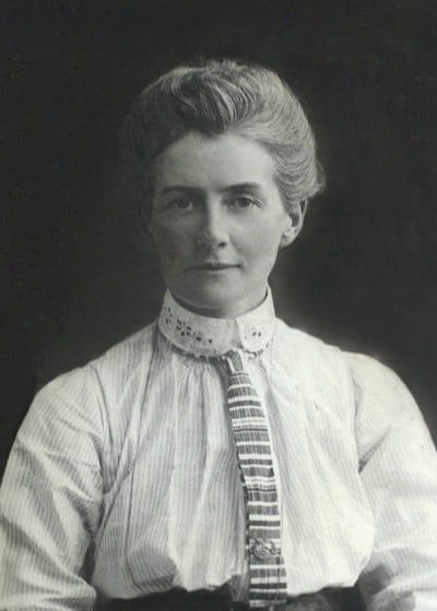 A balck and white photo of Edith Cavell.