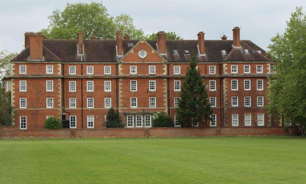 10 of England's Prestigious Schools and Colleges You didn't Know You Could Visit