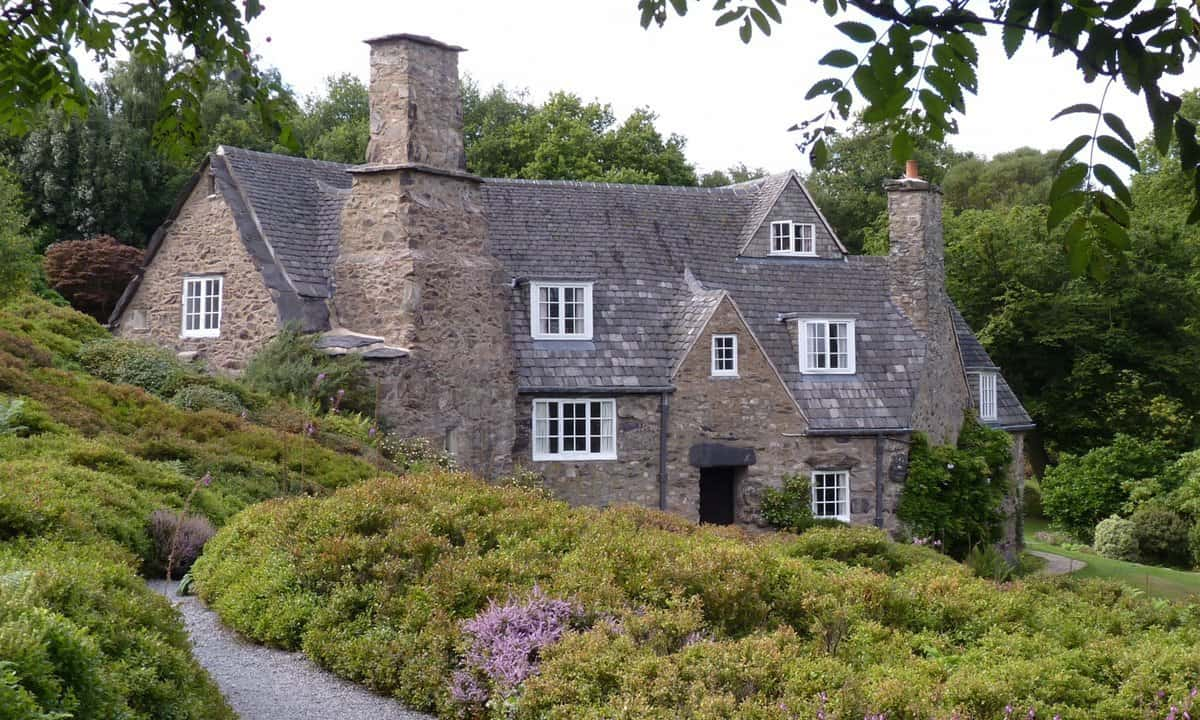 The exterior of Stoneywell Arts and Crafts house.