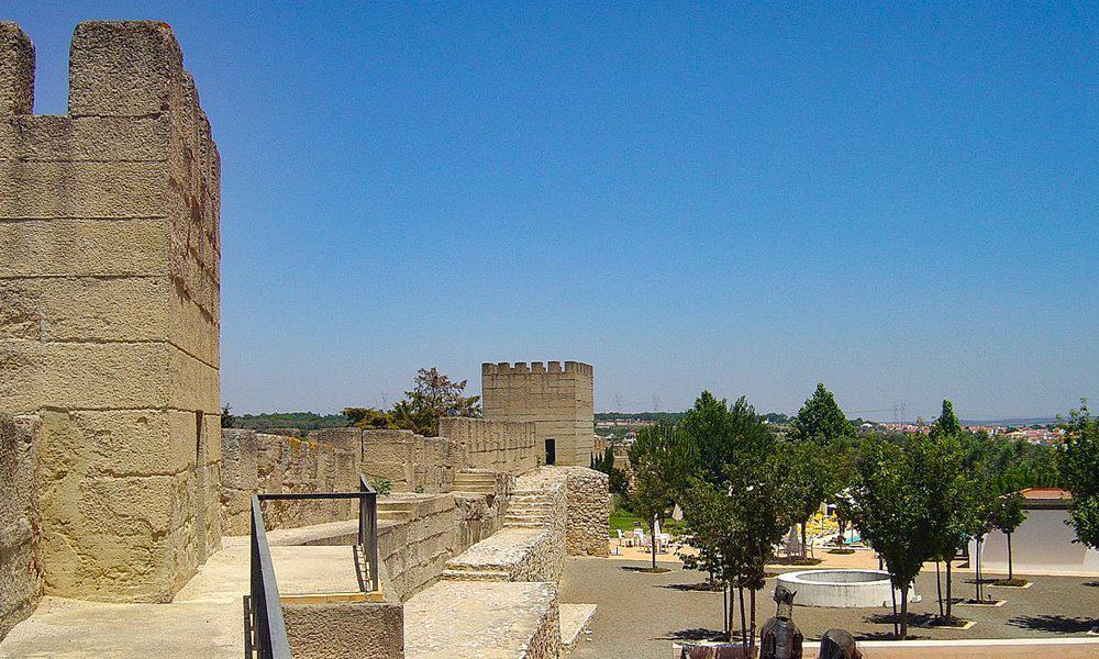 The battlements and parapet of the Alcácer do Sal Castle.