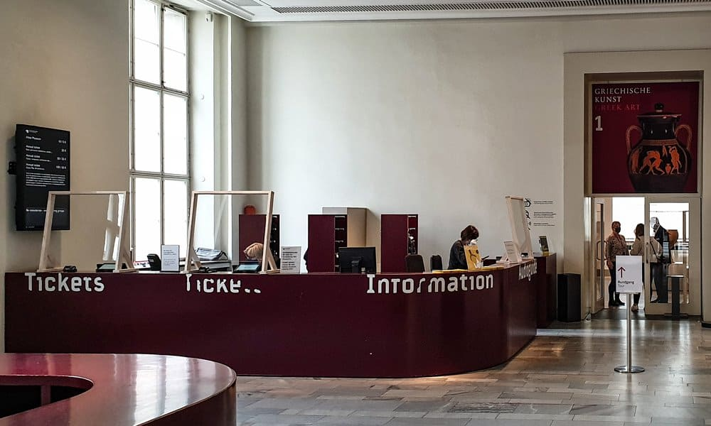 The ticket office at the Altes Museum on Museumsinsel, Berlin.